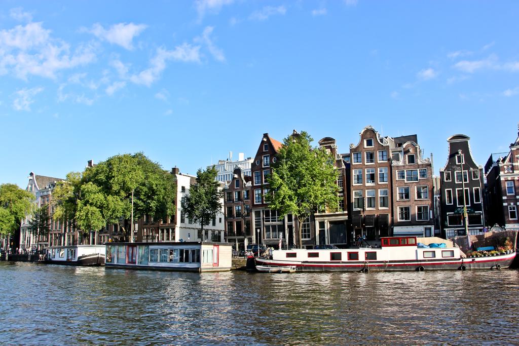 Amsterdam64