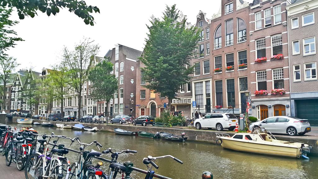 Amsterdam68.129